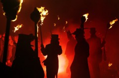 gunpowder plot, guy fawkes, bonfire night, v for vendetta, alan moore, john milton