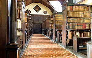 300px-Merton_College_library_hall.jpg